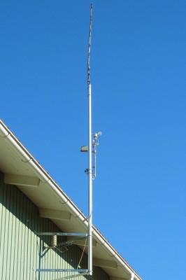 N9TAX Slim-Jim monterad i toppen på 3 meter maströr